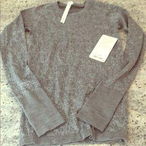 Lululemon restless pullover gray 6 NWT